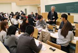 滋賀医科大学での講義の様子