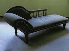 司馬遼太郎がいつも寝そべっていた椅子